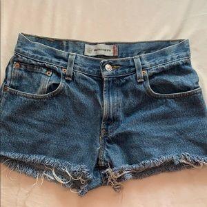 Levi's semi high waisted shorts